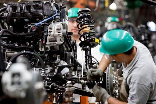 Greve de caminhoneiros e dólar elevam custo industrial em 3,7% no 2º tri